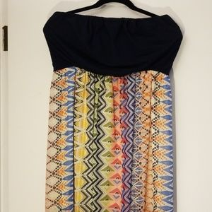 Long Strapless patterned dress